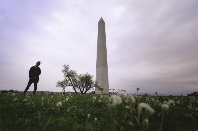 US Monument, national mall, washington dc, cloudy, moody, tripod, photography, dandelions, self portrait, selfie, photowalk, monuments,