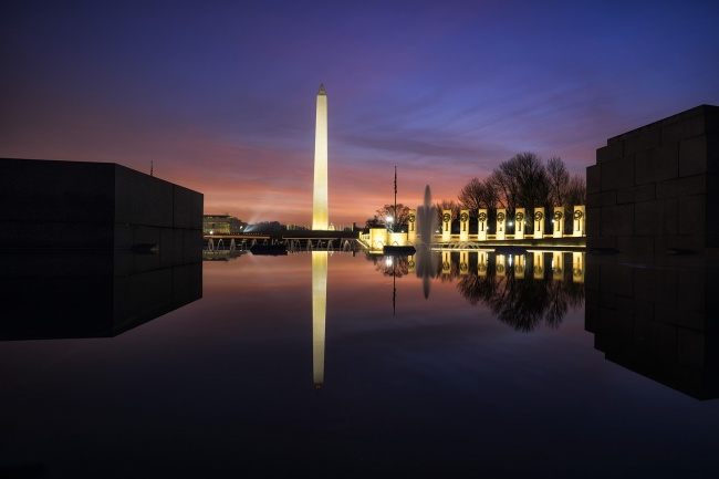 National World War II Memorial, National Mall, washington dc, wwii, memorial, veterans, honor, early morning, sunrise, glow, snapdc, reflection, washington monument