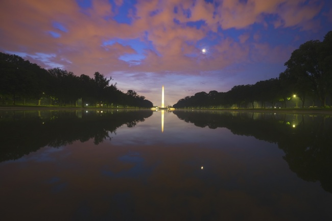 Early Morning at the Lincoln Memorial, Washington DC, national mall, reflecting pool, washington monument, trees, fog, sunrise, clouds, photowalk, focus on the story, photo festival,