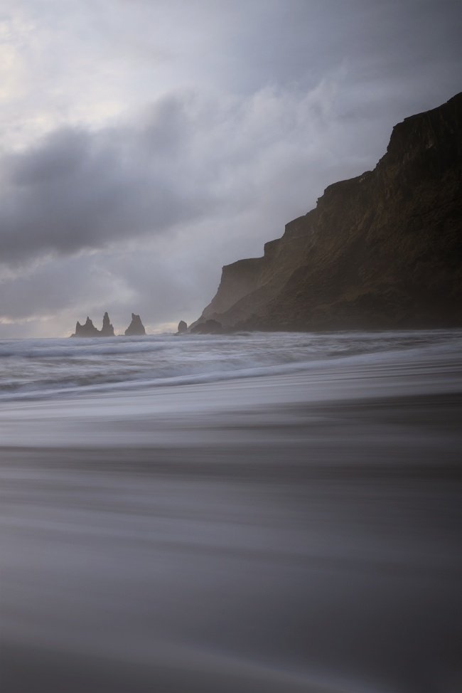 Vík, Iceland, beach, black sand beach, long exposure, tripod, travel, visit, Vík í Mýrdal, south iceland, Mýrdalsjökull glacier,