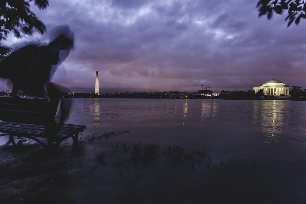 Flooding at the Tidal Basin, washington dc, national mall, west potoamc park, washington monument, jefferson memorial, selfie, self timer, canon, sony, park bench, flooding, rain, weather, summer, parkour, water, sunrise,