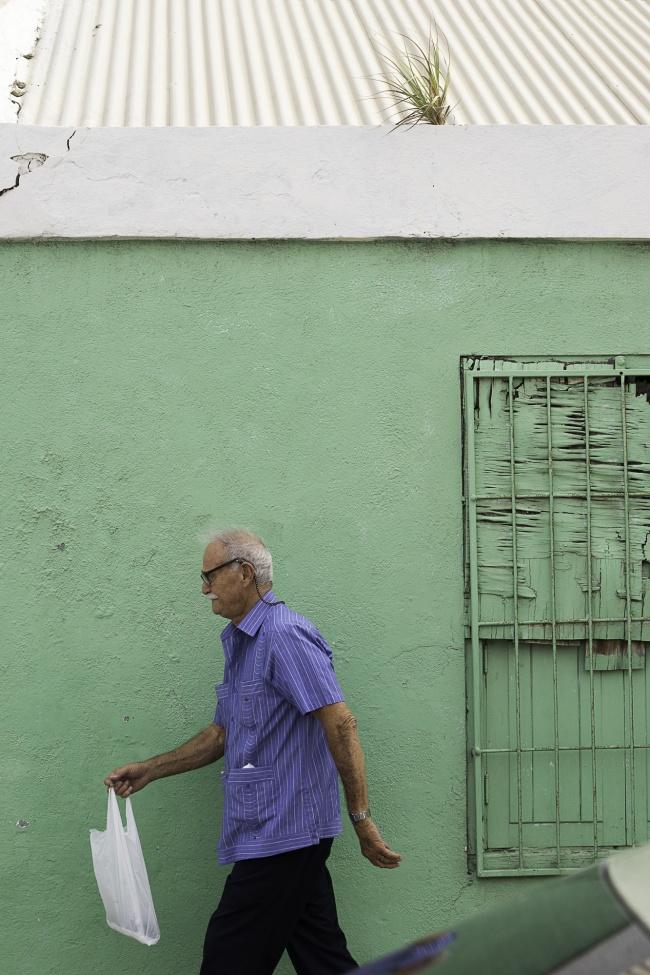Oranjestad, Aruba, capital, green, street, photography, pedestrian, colorful houses, The Pastechi House, tourist, visit, walk around, island, caribbean