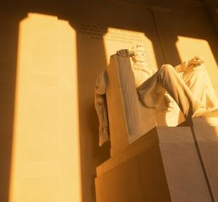 Lincoln memorial, washington dc, national mall, photo workshop, night photography, snap dc, photo tips, camera settings, washington dc, travel, visit, memorial, president, best time to shoot
