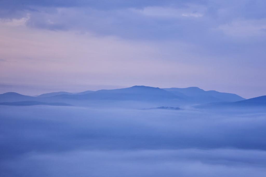 Shenandoah National Park, Virginia, va, skyline drive, fog, autumn, fall, visit, blue ridge mountains, applachian trail, sunrise, early morning, weather, autumn, fall,