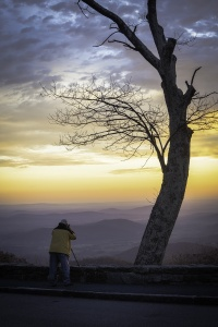Thornton Gap Entrance, Shenandoah National Park, fall, autumn, skyline drive, photographer, sunrise, national park, findyourpark, mountains, luray, virignia, landscape, blue ridge mountains, appalachian trail,