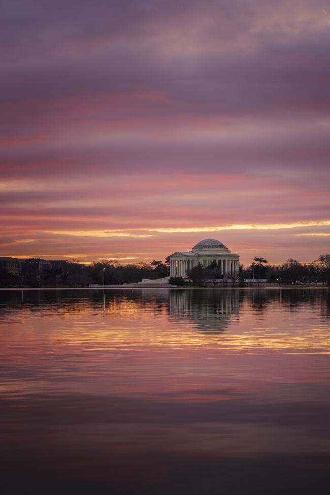 Sunrise from the Tidal Basin, washington dc, national mall, jefferson memorial, camera settings, gear talk, lenses, sony, a7ii, 70-200mm, sunrise, west potomac park, martin luther king jr memorial