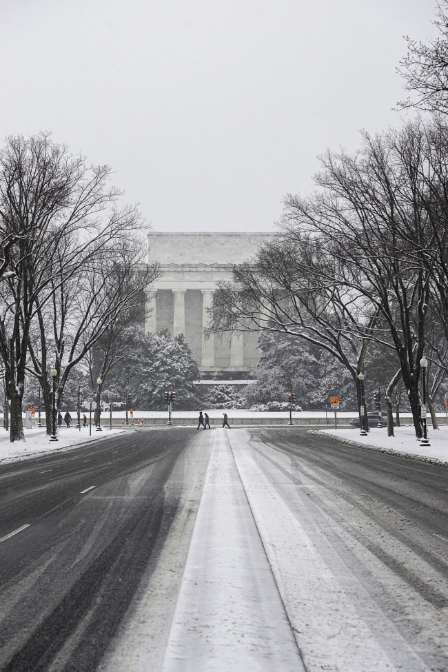 23rd St NW DC , lincoln memorial, washington dc, national mall, winter, white, visit dc, memorials, monuments