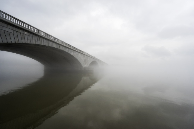 arlington memorial bridge, washington dc, foggy day, reflection, bridge, clouds, potomac river, moody
