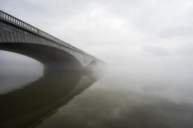 arlington memorial bridge, washington dc, foggy day, reflection, bridge, clouds, potomac river, moody