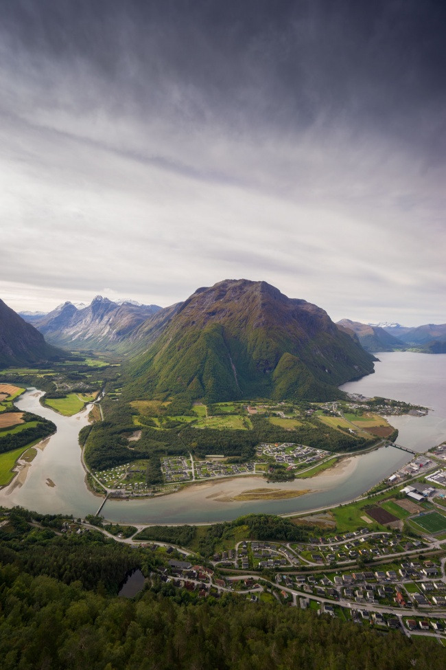 Åndalsnes, norway, hke, views, Romsdalseggen, scenic, to-do, norge, travel,