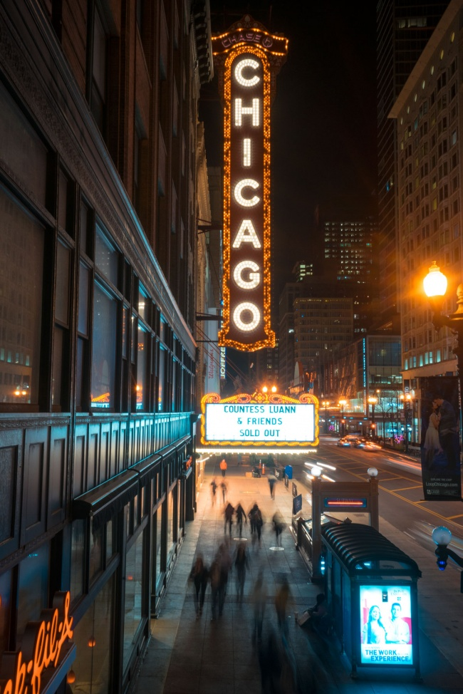chicago, the chicago theatre, night photography, long exposure, the loop, downtown chicago, city of chicago, North State Street, Balaban and Katz group,
