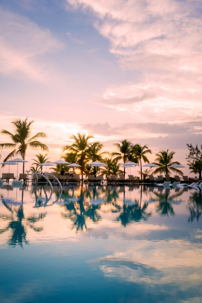 swimming pool, reflection, turks and caicos, club med, palm trees, infinity pool, sunset, caribbean, pool