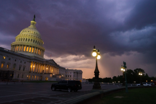 washington dc, us capitol, storm, ilightning, sevre storm warning, us capitol, capitol building, capitol hill, architecture, rain, clouds, sunset