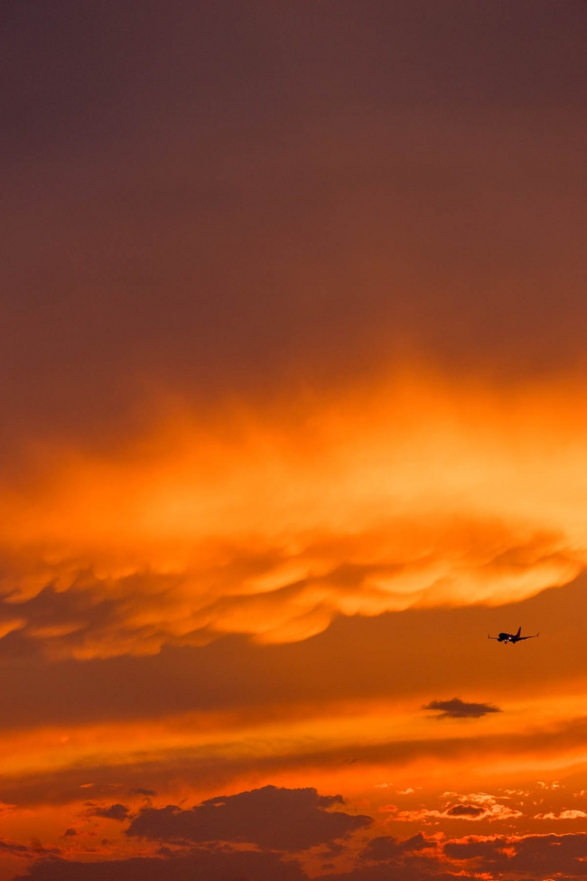 national mall, washington dc, storm weather, cloudy skies, sunset, airplane, mammatus clouds, weather, reagan airport, airplane