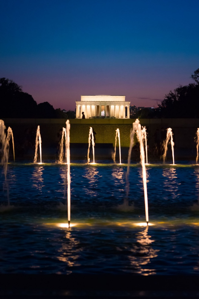 washington dc, national mall, world war ii, memorial, monuments, lincoln memorial, night time, fountains, sunset, water