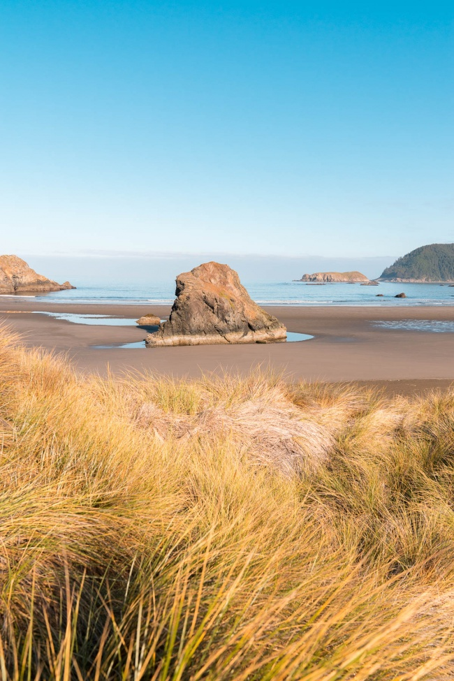 meyers creek beach, viewpoint, oregon coast, oregon, pacific northwest, reflections, sand, beach, samuel h boardman scenic corridor, haystack rock