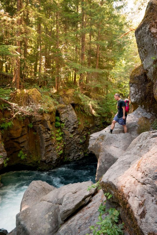 toketee falls, umpqua national forest, oregon, pacific northwest, pnw, rocks, hiking, hike, cascade range, douglas county, north umpqua river,