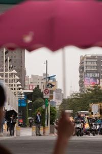 taipei, taiwan, rain, forecast, weather, typhoon, scooters, street photography, umbrella, zhongxiao dunhua