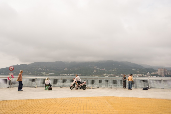 tamsui, taiwan, fishing pier, scooter, fishing, early morning, taipei, tamsui river,