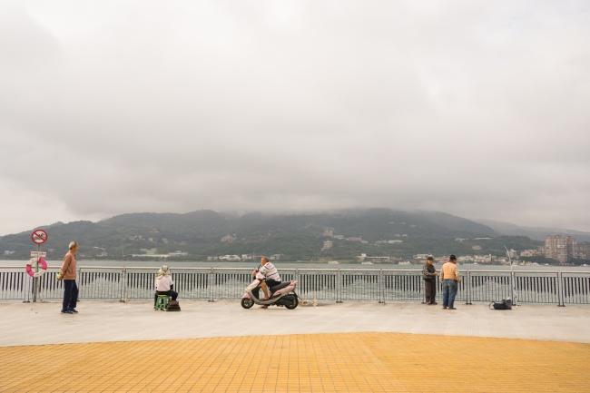 tamsui, taiwan, fishing pier, scooter, fishing, early morning, taipei, tamsui river,