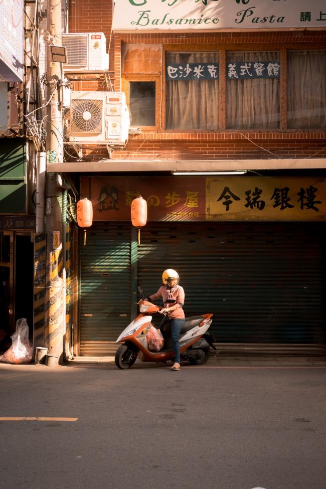 tamsui, zhuwei, taipei, new taipei, taiwan, mrt, scooter, street photography, midday light,