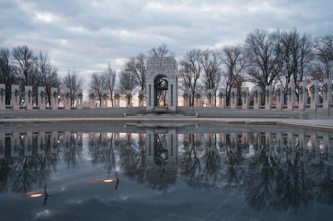 washington dc, world war ii memorial, sunrise, fountains, reflection, photographer, travel photo, snap dc, war memorial, wwii, national mall