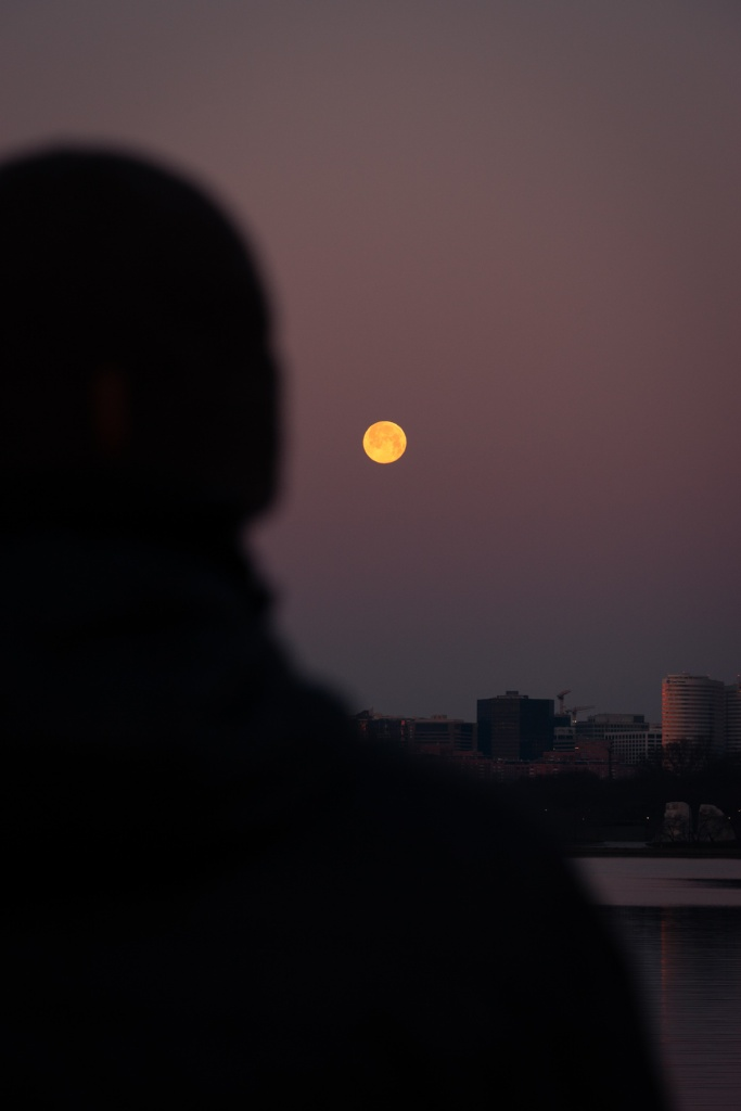 washington dc, rosslyn virginia, va, arlington, virginia, moonset, snow moon, supermoon, sunrise, tidal basin