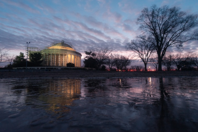 national mall, washington dc, tidal basin, jefferson memorial, the thomas jefferson memorial, puddle, clouds, early morning, restoration, repair, scaffolding, construction, washington dc,