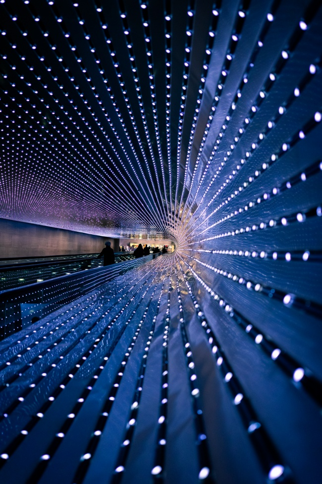 national gallery of art, multiverse, leo villareal, national gallery of art, nga, light sculpture, moving sidewalk, east and west buildings,
