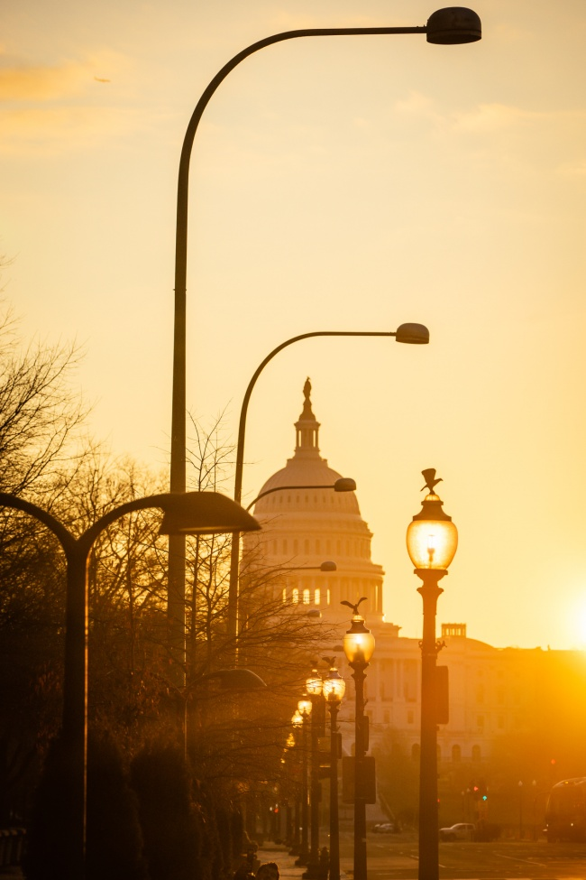 united states capitol, us capitol, washington dc, pennsylvania ave, sunrise, bike lane, sidewalk, street lamps, us capitol building, street photography