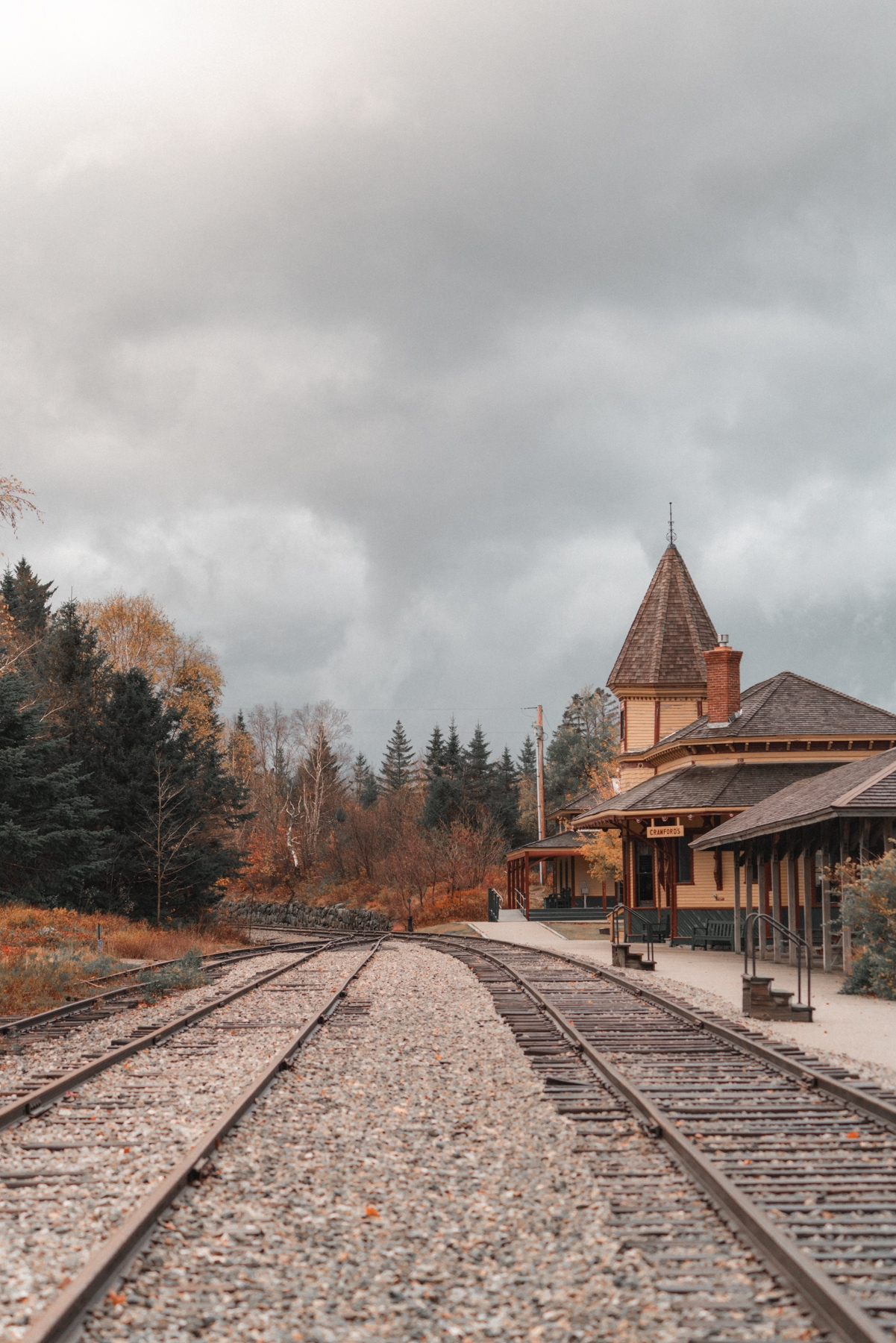 new england, new hampshire, crawford notch, road side, train station, railroad, road trip, fall, autumn, trees