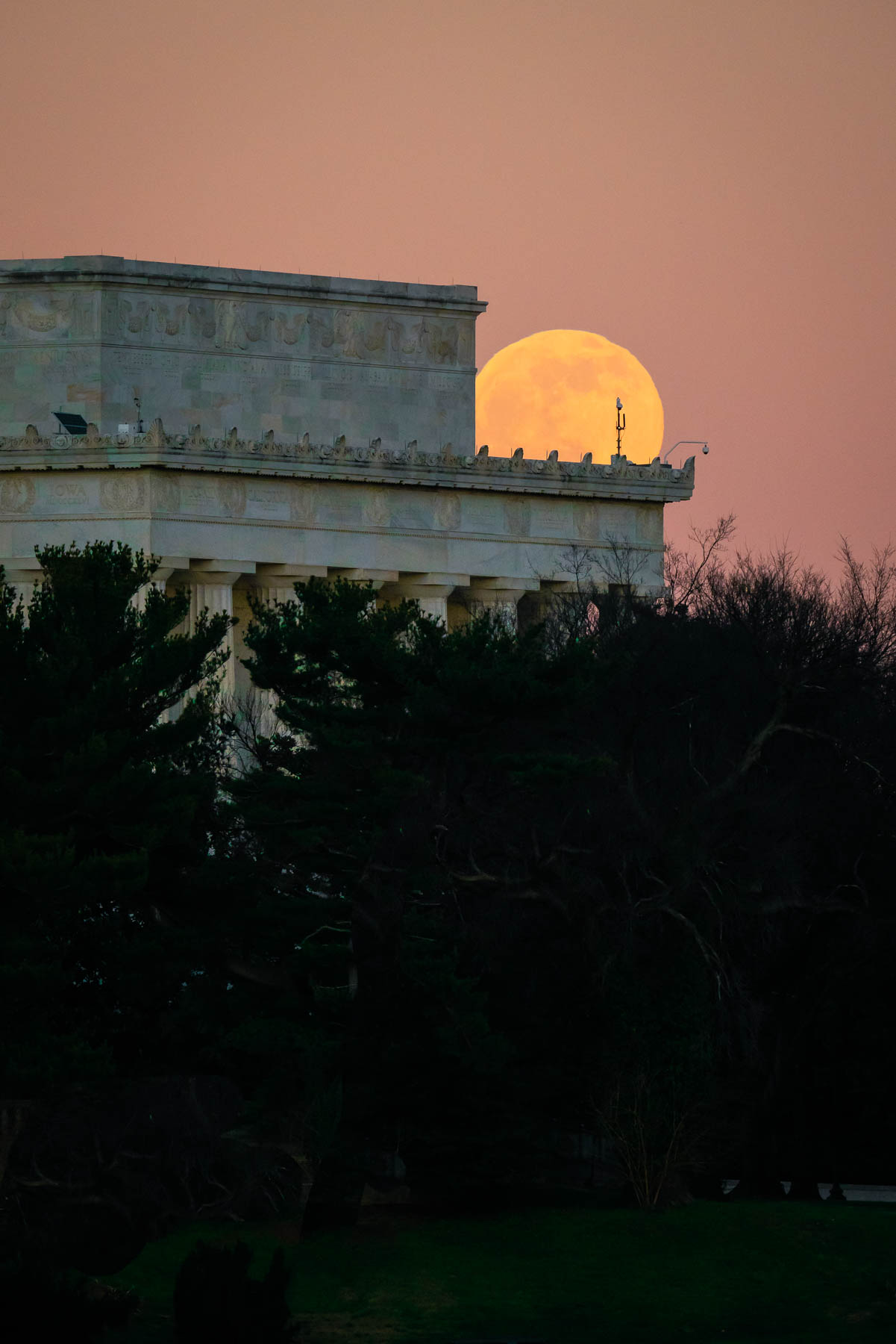 lincoln memorial, long exposure, night photography, arlington memorial bridge, lincoln memorial, washington dc, full moon, mt vernon trail