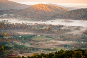 virginia, shenandoah, sunrise, fog, front royal, national park, sunrise, fall colors, autumn, fog, mountains, landscape, where to take fall pictures, skyline drive