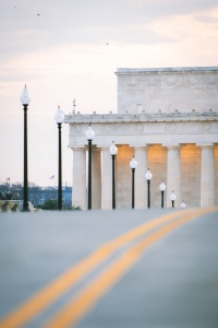 lincoln memorial, sunrise, washington dc, street lamps, compression, lines, street photography,