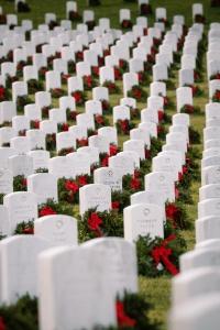 arlington national cemetery, graves, gravestones, tombstones, christmas wreaths, arlington, virginia, va,