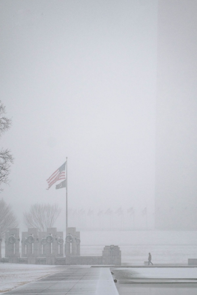 washington monument, washington dc, reflecting pool, wwii memorial, national mall, snow, inclement weather, snow inspiration