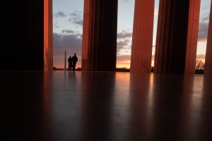 lincoln memorial, washington dc, national mall, sunrise, early morning, lincoln memorial interior, columns, architecture, sihlouttes,
